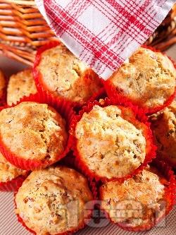 Солени мъфини с царевично брашно, мак и синьо сирене - снимка на рецептата
